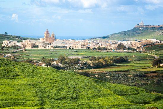 La isla de Gozo, cerca de Malta