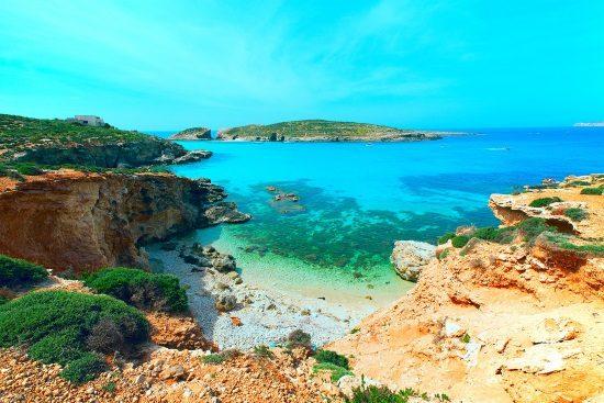 El Lago Azul, en la isla de Comino, cerca de Malta