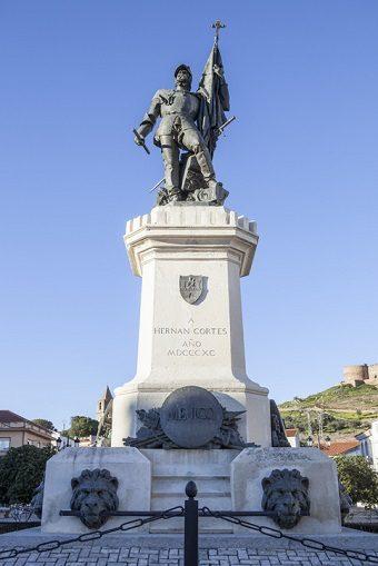 Monumento a Hernán Cortés en Medellín (España)