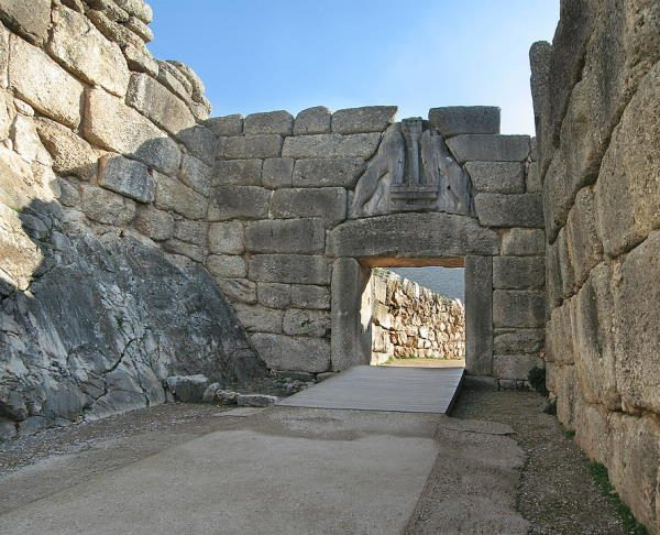 Puerta de los Leones, en el yacimiento arqueológico de Micenas