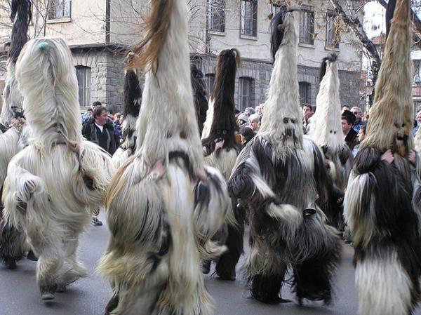 Kukeri, personajes del carnaval de Bulgaria