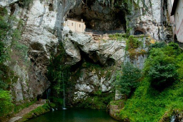 Cueva de Covadonga (Asturias)
