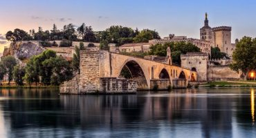 Qué ver y hacer en Aviñón: arte medieval y encanto provenzal a orillas del Ródano
