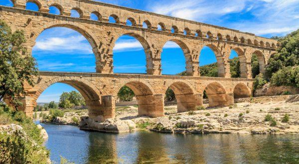 Piscina natural del Pont de Gard (Nimes, Francia)