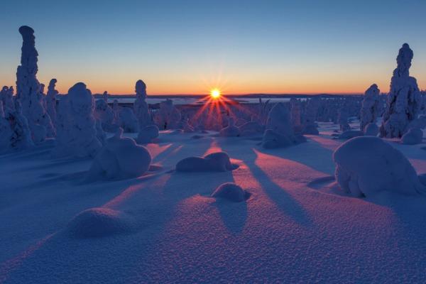 Puesta de sol en el parque Riisintunturi
